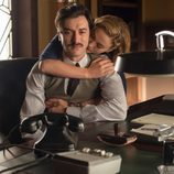 Clara anima a su novio, Mateo en 'Velvet'