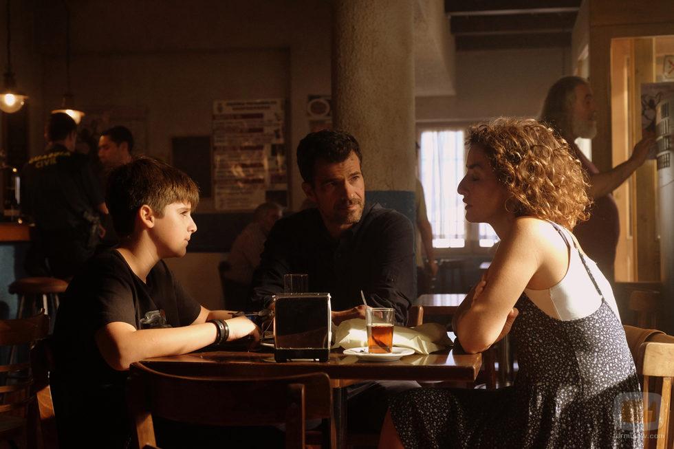 Marta, Héctor y Nacho en 'Mar de plástico'