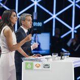 Ana Pastor y Vicente Vallés moderando en '7d: el debate decisivo'
