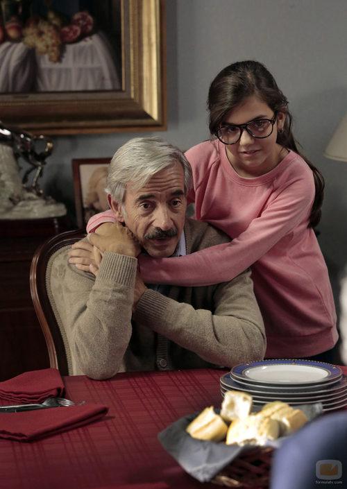 Antonio Alcántara junto a María en 'Cuéntame cómo pasó'