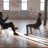 Eddie Morra le ofrece la droga NZT a Brian en 'Sin límites'