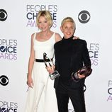 Ellen Degeneres y Portia de Rossi en los People Choice Awards 2016