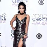 Vanessa Hudgens  en la alfombra de los People Choice Awards 2016