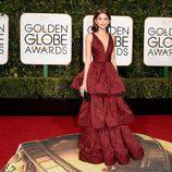 Zendaya en la alfombra roja de los Globos de Oro 2016