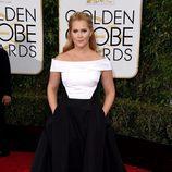 Amy Schumer en la alfombra roja de los Globos de Oro