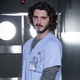 Yon Gonzalez repite como García para 'Bajo sospecha', esta vez en un hospital