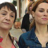 Laura y Mariana no pueden ocultar su sonrisa en 'Chiringuito de Pepe'