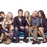 La familia al completo de 'Grinder'