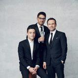 El equipo de 'Mr.Robot' posando como ganadores en los Critics' Choice Awards