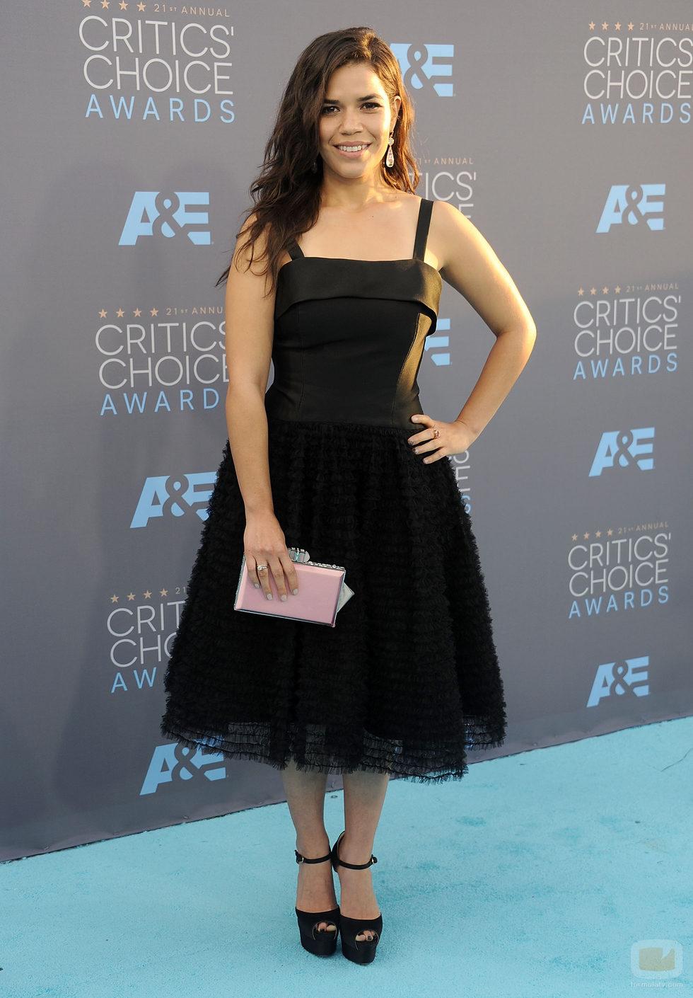 America Ferrera en la alfombra de los Critics' Choice Awards