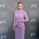 Laura Haddock en la alfombra de los Critics' Choice Awards
