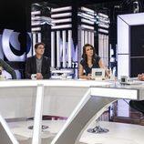 Ana Pastor entrevistando a representantes de los partidos políticos en 'El objetivo'