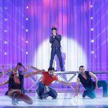 Adrián Rodríguez es The Weeknd en la decimoquinta gala de 'Tu cara me suena'