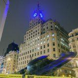 Un OVNI aterriza enfrente del edificio de Telefónica