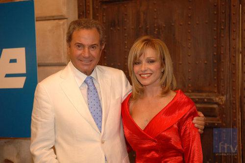 Arturo Fernández y Silvia Tortosa