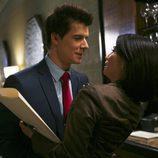 Eric Mabius y Lucy Liu