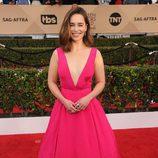 Emilia Clarke en la alfombra roja de los SAG 2016