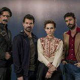 Hugo Silva junto a los actores principales y protagonistas de 'El Ministerio del Tiempo'