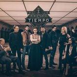 Poster con el elenco al completo de la segunda temporada de 'El Ministerio del Tiempo'