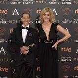 Manuel Bandera y Bibiana Fernández en la alfombra roja de los Goya 2016