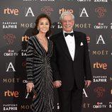 Isabel Preysler y Mario Vargas Llosa en la alfombra roja de los Goya 2016