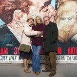 Foto promocional de Gillian Apter, Ferrán Rañe y Kimberley Tell , la familia Kohler  en 'Buscando el norte'