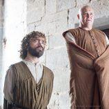 Tyrion Lannister y Varys en la sexta temporada de 'Juego de tronos'