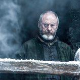 Davos Seaworth espera en el Muro en la sexta temporada de 'Juego de tronos'