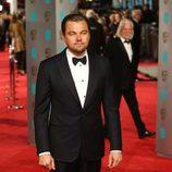 Leonardo Dicaprio en la alfombra roja de los BAFTA Awards 2016