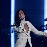 Demi Lovato actuó en los Premios Grammy 2016