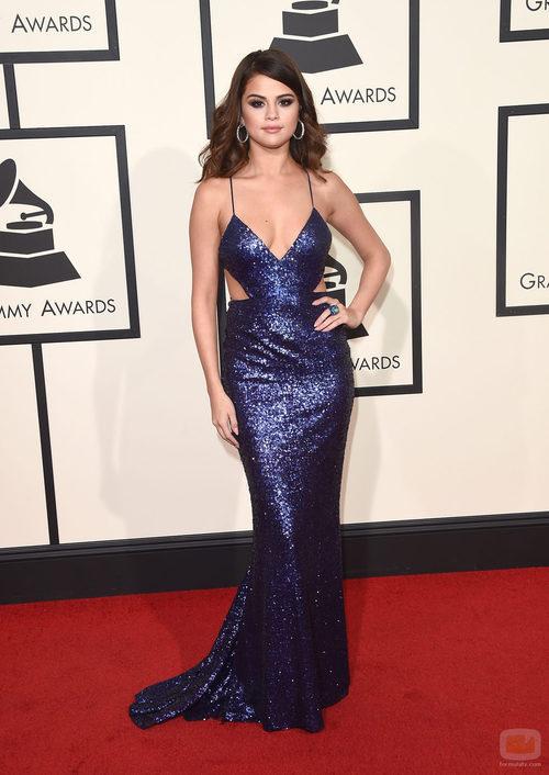 Selena Gomez en la alfombra roja de los Premios Grammy 2016