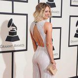 Kaley Cuoco en la alfombra roja de los Premios Grammy 2016
