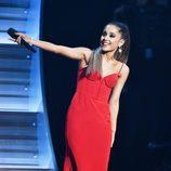 Ariana Grande actuó durante la gala de los Premios Grammy 2016