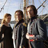 Isabel Cendal, el doctor Balmis y el doctor Salvany en el barco de '22 ángeles'