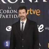 Rodolfo Sancho sonriente en el preestreno de 'La Corona Partida'