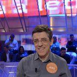 Jero Hernández concursante de 'Pasapalabra' posa en el plató del concurso