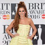 Cheryl Cole posa sonriente en los Brit Awards 2016
