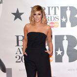 La presentadora Caroline Flack en la alfombra roja de los  Brit Awards 2016