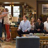 La familia Tanner al completo durante el capítulo 1 de 'Madres forzosas'