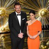 Jason Segel y Olivia Munn en la gala de los Premios Oscar 2016