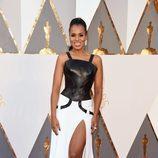 Kerry Washington en la alfombra roja de los Premios Oscar 2016