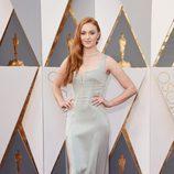 Sophie Turner en la alfombra roja de los Premios Oscar 2016