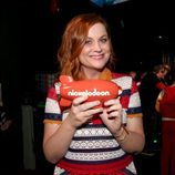 Amy Poehler ('Parks and Recreation') posa con su premio en los Nickelodeon's 2016 Kids' Choice Awards