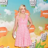 Tori Spelling en la alfombra roja de los Nickelodeon's 2016 Kids' Choice Awards