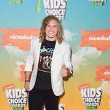 Tony Calavero en la alfombra roja de los Nickelodeon's 2016 Kids' Choice Awards
