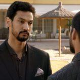 Khaled y Faruq mantienen una conversación en 'El Príncipe'