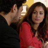 Fátima mantiene una conversación con Khaled en 'El Príncipe'