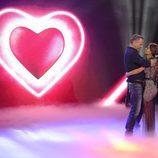 Carlos Lozano junto a su novia en la gala 11 de 'Gran Hermano VIP'