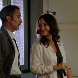 Jesús y Rebeca comparten una mirada cómplice en 'El Caso'