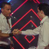 Carlos Lozano y Francisco Nicolás se dan la mano en la gala 12 de 'Gran Hermano VIP'